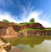 King swimmig pool in Sigiriya — Stock Photo