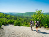 Hikers on a path — Stock Photo