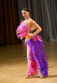 Female dancer performs — Stock Photo