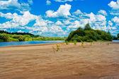 речной пляж — Стоковое фото