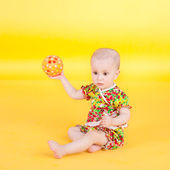 Baby and ball — Stok fotoğraf
