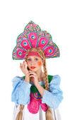 девушка в костюме кокошник — Стоковое фото