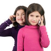 Kızlar telefonları ile — Stok fotoğraf
