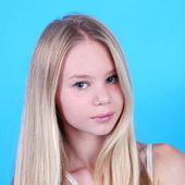 Blond tonåring tjej — Stockfoto