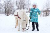 Dziecko i koń — Zdjęcie stockowe