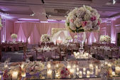 Beautifully decorated wedding ballroom — Stock Photo
