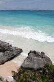 美しいターコイズ ブルーの海 — ストック写真