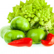 Romanesco broccoli, green tomatoes and red pepper — Foto de Stock