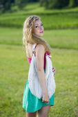 Vacker tonåring flicka — Stockfoto