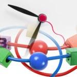 串珠的迷宫玩具和时钟 — 图库照片