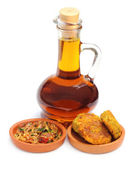 Mustard onion salad and lentil chop with mustard oil — Stock Photo