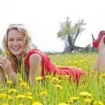 Happy young woman enjoying nature — Stock Photo