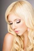 Blond kvinna — Stockfoto