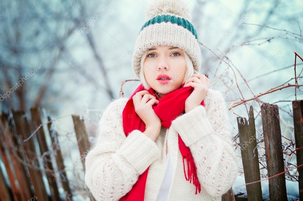 Фото блондинок в белой шапке 14 фотография