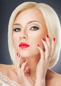 Retrato de mulher loira — Foto Stock