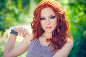 Red-headed girl — 图库照片