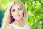 Blonde girl — Stock Photo