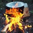 Traditional campfire cooking — Stock fotografie