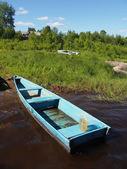Barca sul fiume — Foto Stock