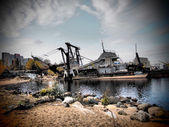 Old ship on the lake — Foto Stock