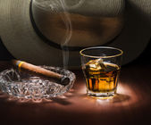 Rum and cigar — Stock Photo