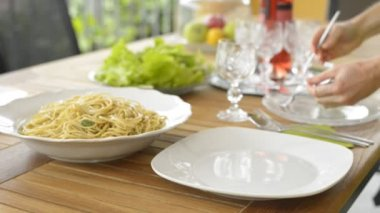 Portion spaghetti — Stockvideo
