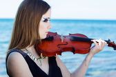 Portrait of girl with her violin — Stock Photo