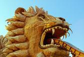 Estatua del león en el templo en tailandia. — Foto de Stock