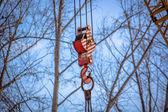 żuraw wieżowy z haka metalowych budowlanych — Zdjęcie stockowe