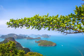 A Beach of Angthong Marine National Park. View from mountain on — Stockfoto