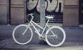 White bicycle — Stock Photo