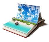 Libro con una isla tropical — Foto de Stock