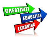 Creatividad, educación, aprendizaje en las flechas — Foto de Stock