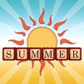 Léto v dřevěných kostek, retro label s slunce a paprsky — ストック写真