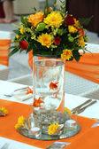 Wedding table arrangement — Stock Photo
