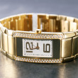 Luxury golden woman wristwatch — 图库照片