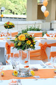 Wedding table arrangement — Stock Photo