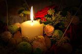 çiçek ve mum — Stok fotoğraf