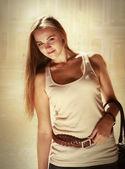 Retrato de mujer joven sonriente — Foto de Stock