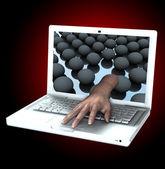 La main de l'ordinateur portable — Photo