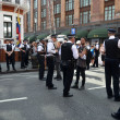 Police watch the Julian Assange protest outside the Ecuadorian Embassy — Stock Photo
