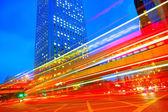Verkehr-Stadt-Dämmerung — Stockfoto