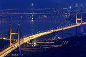 到了晚上,香港地标青马大桥 — 图库照片