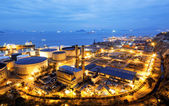 Glow light of petrochemical industry — Stock Photo