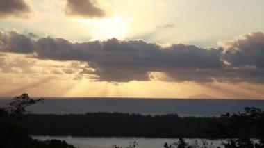 日没時のフランス領ポリネシア — ストックビデオ