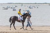 Sanlucar de barrameda plaży wyścigi konne 8 sierpnia 2013 — Zdjęcie stockowe