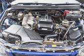 Motor potente coche viejo — Foto de Stock