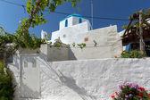 église blanche à parikia, l'île de paros — Photo