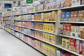 Grocery Store Cereal Shelves — Stock Photo