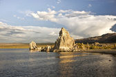 Storm Cloud Over Mono Lake — Stock Photo
